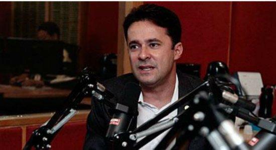 Prefeito de Jaboatão critica governo federal e estadual sobre vazamento de óleo