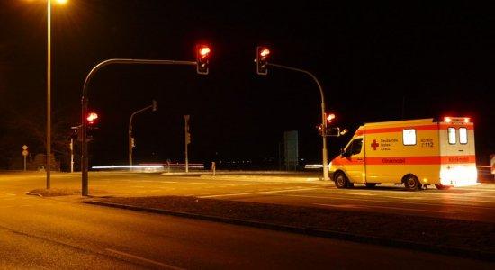 Avançar sinal vermelho das 22h às 5h deixa de ser motivo par multa em Recife