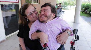 Bruno e a mãe, a psicóloga Fátima Castro