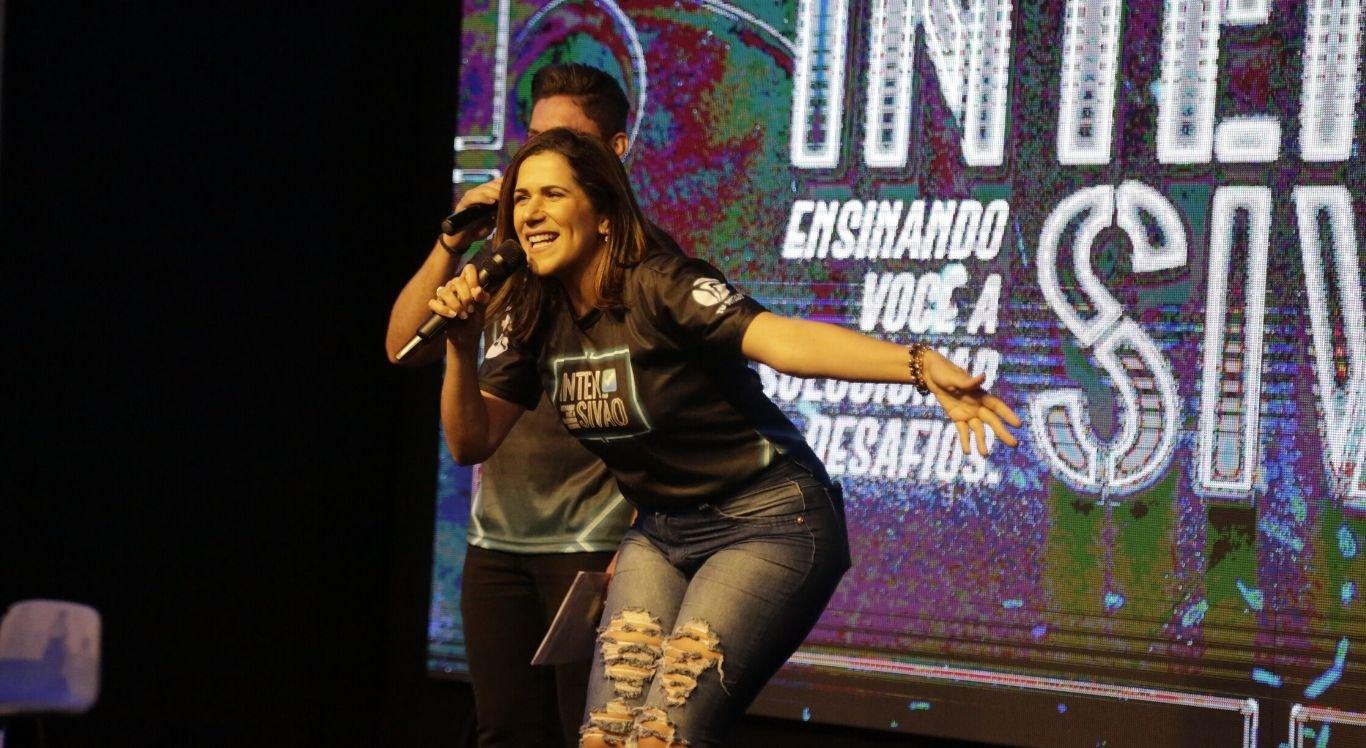 A apresentadora Jailma Barbosa participou do evento, realizando uma transmissão ao vivo para o facebook da TV Jornal Interior