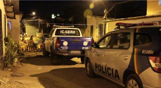 Jovem é assassinado com mais de 20 facadas em Jaboatão dos Guararapes
