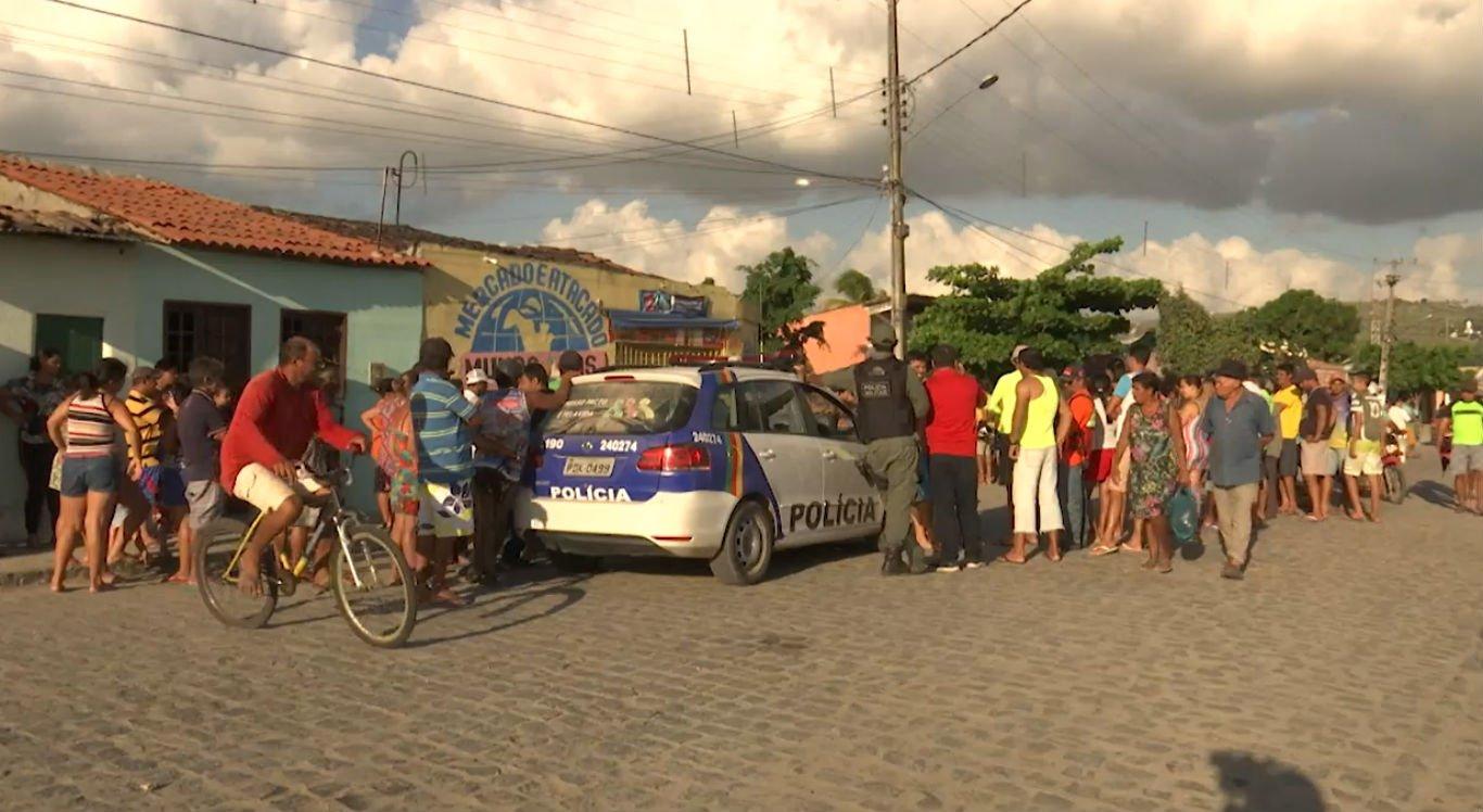 Homens foram mortos quando saíam de mercado em São Joaquim do Monte