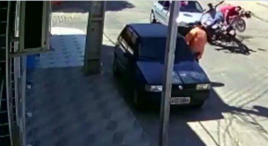 Vídeo: perseguição policial termina em acidente no Sertão