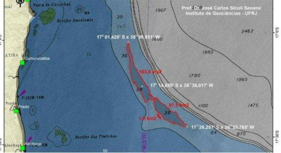 Mancha de óleo encontrada na Bahia é do tamanho do Recife, diz professor de matemática