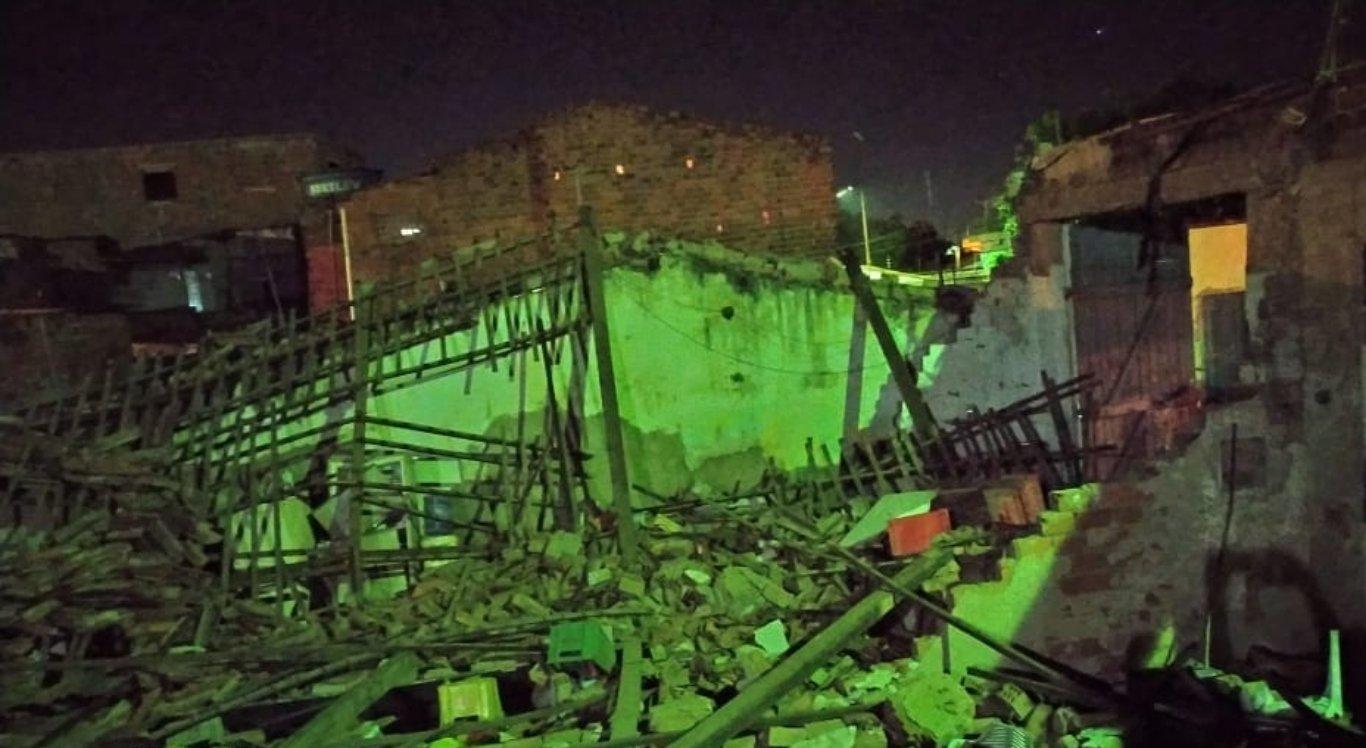 Garagens desabam em Limoeiro