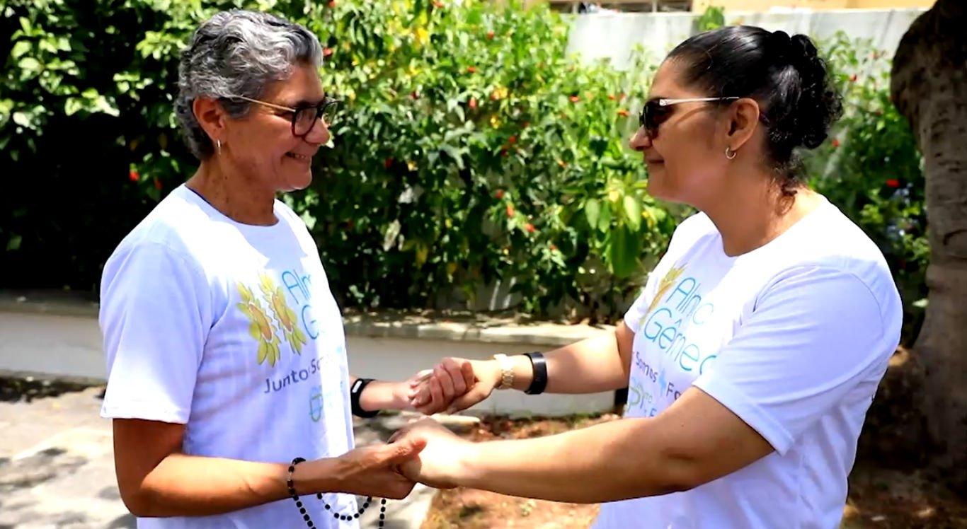 Jandira e Ana Paula se apoiam uma na outra durante o tratamento