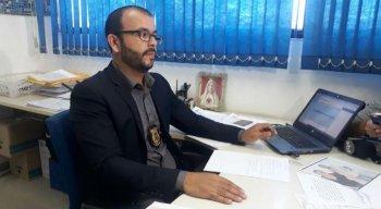 O delegado Vinícius Oliveira, titular da Delegacia de Peixinhos, detalhou o crime nesta quinta-feira (31)