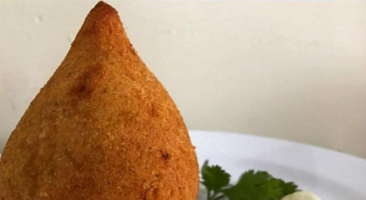 Kitinete oferece várias opções de lanches e fast food
