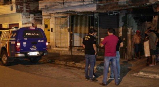 Irmãos são assassinados na frente de casa na Zona Norte do Recife