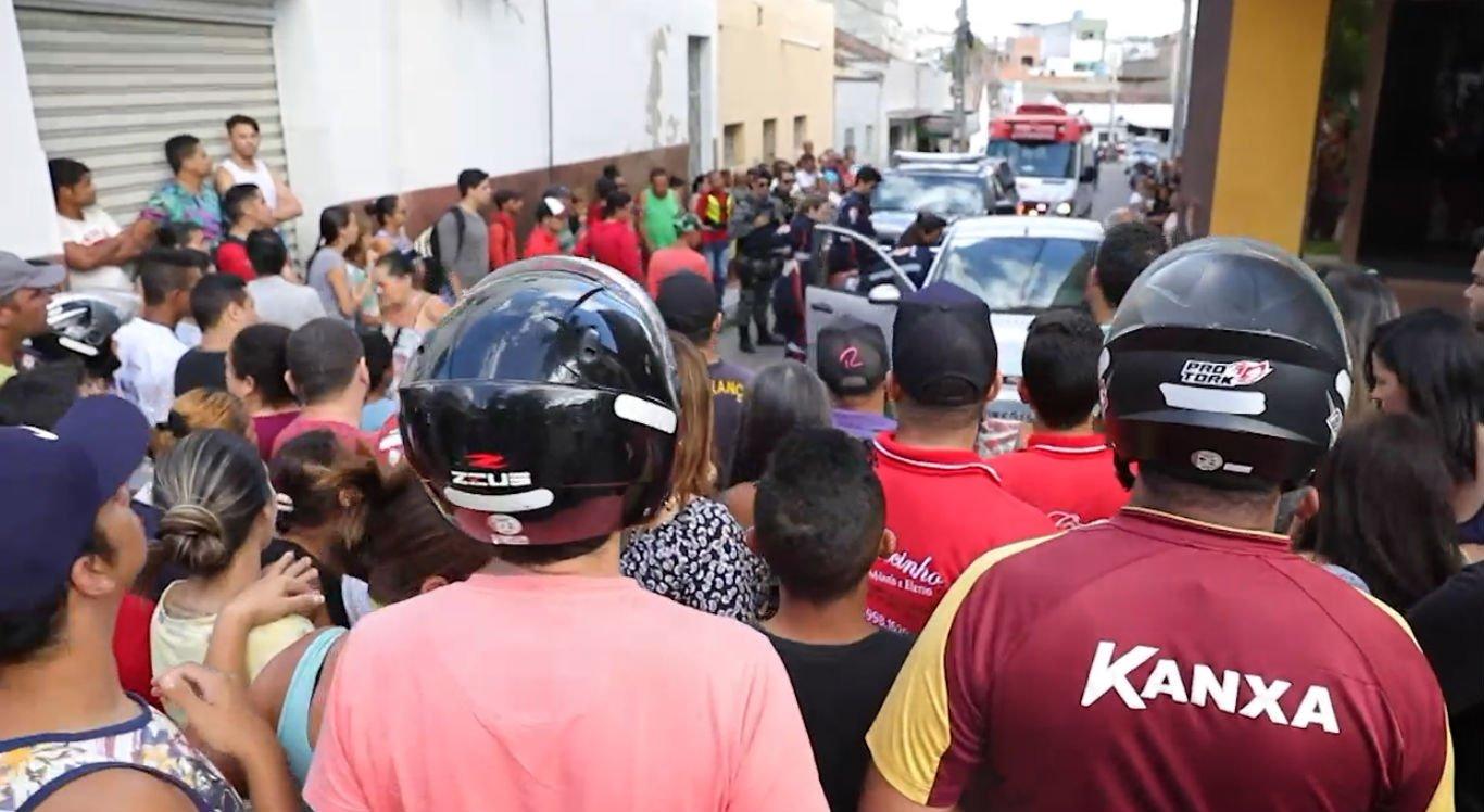 Pai e filho foram mortos no bairro São Francisco, em Caruaru