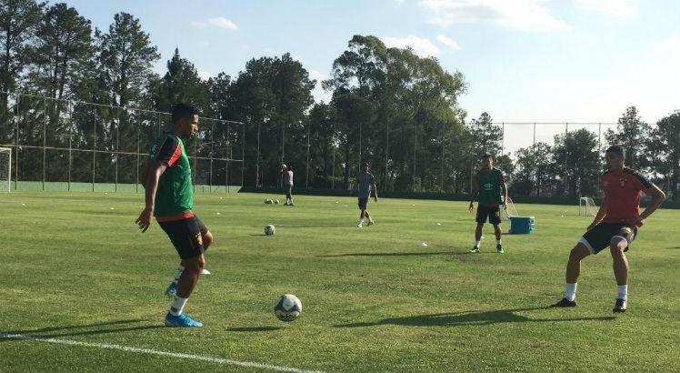 Recuperados, Adryelson e Yago participam de treino do Sport, em Itu-SP