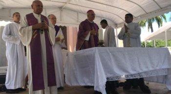 Dom Fernando celebrou missa campal