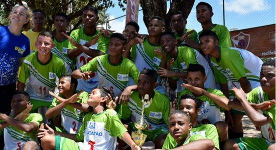 Real Jardim e Nova Divinéia conquistam títulos pelo Recife Bom de Bola