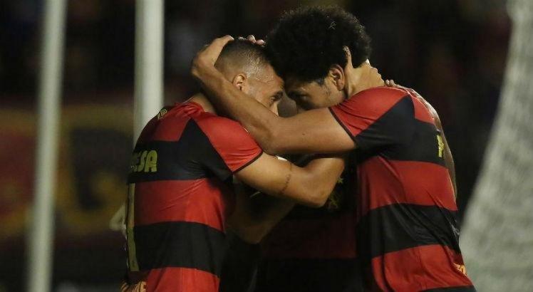 Sport e Coritiba entram em campo em confronto direto pelo G-4 da Série B