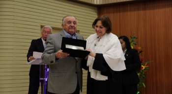 O presidente do grupo JCPM, João Carlos Paes Mendonça, recebeu a homenagem da UFRPE na ocasião