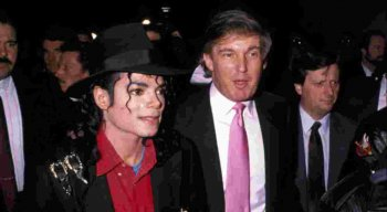 Donald Trump (D) e Michael Jackson (E)