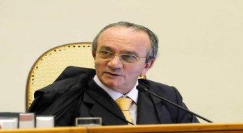 Ex-presidente do Superior Tribunal de Justiça (STJ), o ex-ministro Francisco Cesar Asfor Rocha é um dos alvos da operação