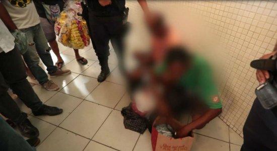 Homens tentam roubar idoso e geram confusão no metrô do Recife