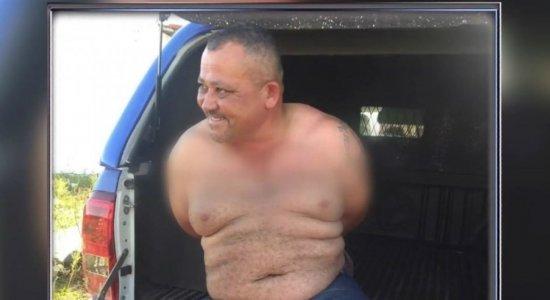Homem invade casa, assalta casal de idosos e esquece celular na fuga
