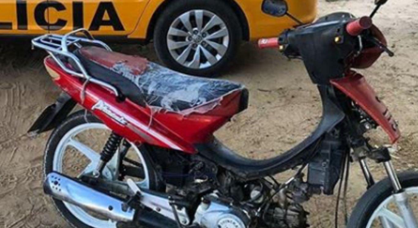 """Moto """"pilotada"""" por cachorro é presa pela PM em Petrolina - NE10"""