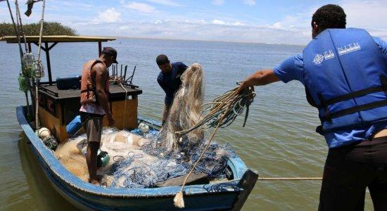 Óleo: Caixa começa a pagar auxílio emergencial a pescadores afetados