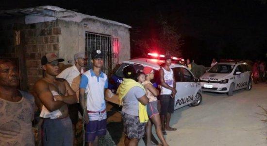Homem é morto em quintal de casa de amigo em Jaboatão dos Guararapes