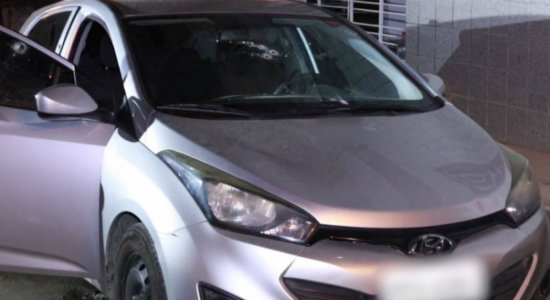 Homem é morto a tiros dentro de carro em Jaboatão dos Guararapes