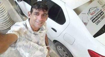 O motorista de aplicativo foi encontrado morto dentro do carro em que trabalhava