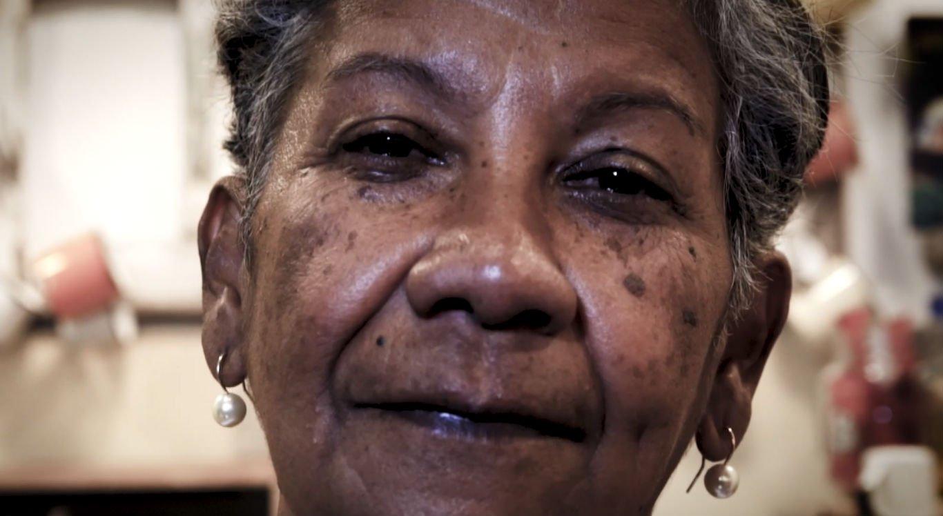 Dona Zezé viu os filhos sofrerem com a discriminação racial
