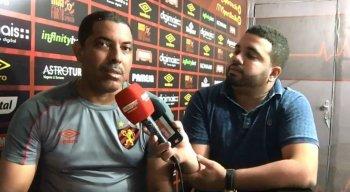 João Victor Amorim entrevistou o preparador de goleiros do Sport, Júnior Matos
