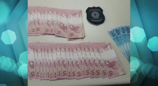 PF prende dupla que comprou R$ 5 mil em notas falsas pela internet