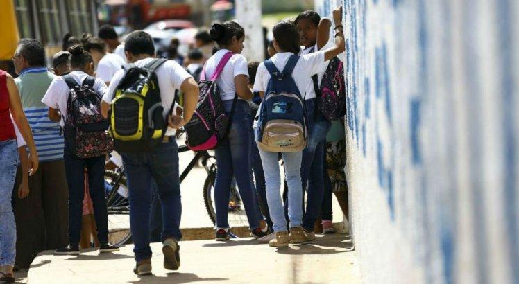 Coronavírus: Alunos da rede estadual terão auxílio-alimentação