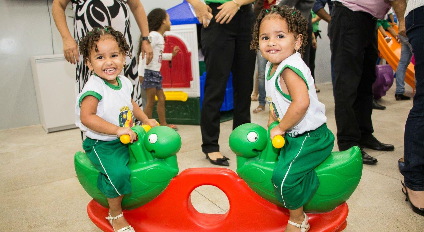 Crianças de quatro meses a 3 anos e seis meses podem entrar na fila de espera
