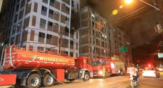 Incêndio atinge dois apartamentos no bairro das Graças, no Recife