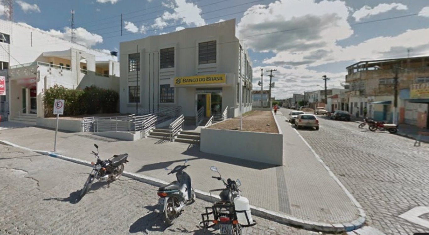 Homem foi morto a tiros dentro de agência bancária