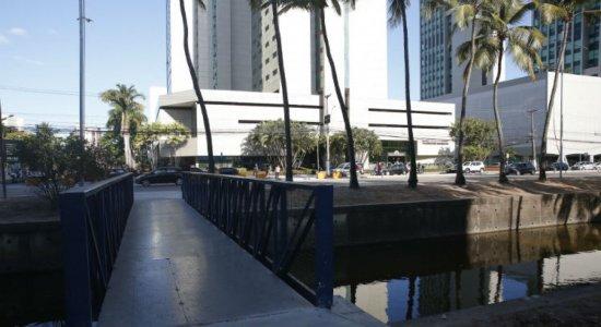 Mudanças na Avenida Agamenon Magalhães beneficiam pedestres