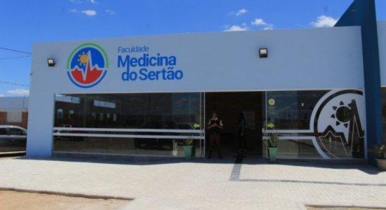 MEC faz vistoria no prédio que vai abrigar curso de Medicina em Arcoverde