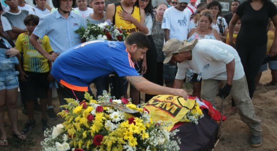 Sentimentos de dor e tristeza comoveram familiares e amigos do torcedor