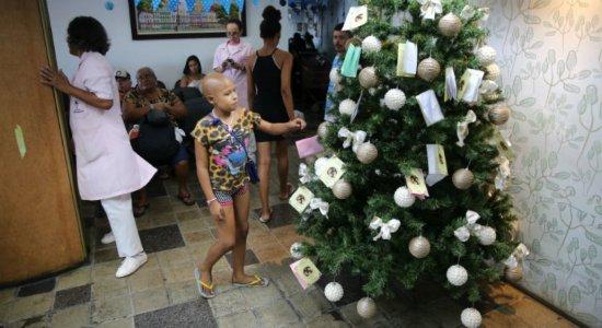 Natal dos Sonhos arrecada presentes para pacientes do HCP