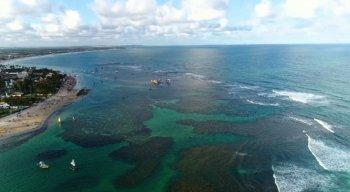 Praia de Porto de Galinhas, em Ipojuca, no litoral Sul de Pernambuco, é destino frequente de turistas