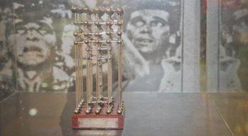 O Sport tem a réplica da taça de 1987. A original está em um cofre na Caixa Econômica.