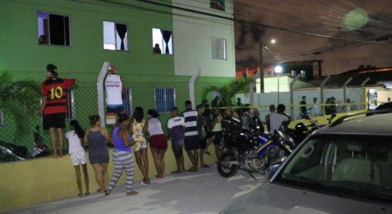 Jovem é morto enquanto visitava parentes em condomínio em Jaboatão