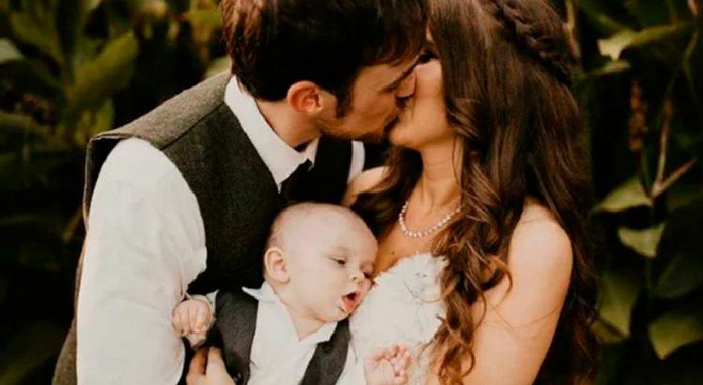 Wesson, o bebê faminto que quase estragou a foto de casamento dos pais viraliza