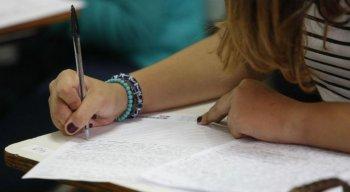 Provas fazem parte de um processo de seleção para entrar na UPE