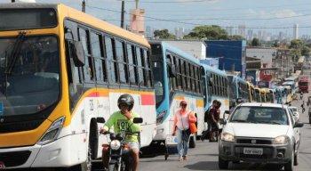 A manifestação acontece no cruzamento da Avenida Dois Rios com a Rua Rio Xingu
