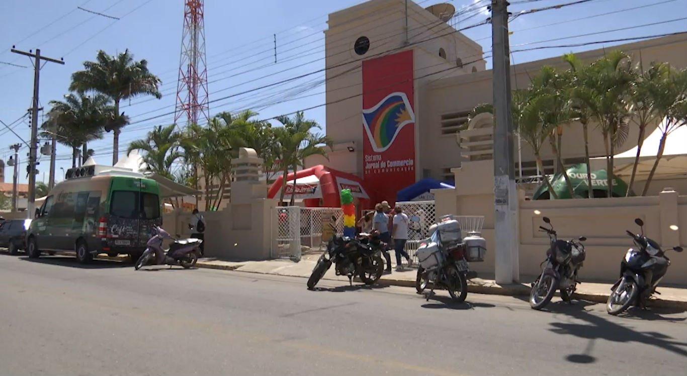 Rádio Jornal Pesqueira faz aniversário solidário