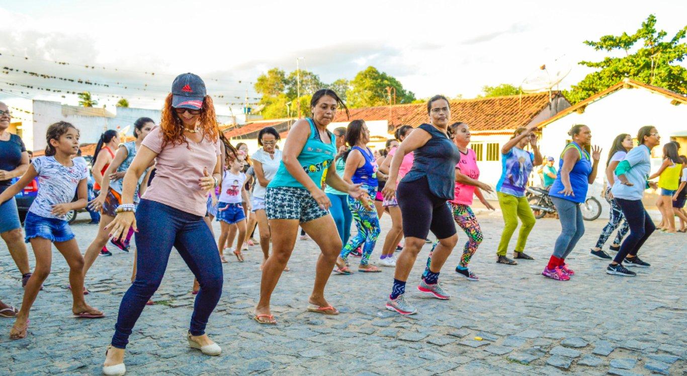Evento é aberto ao público e promete animar a noite com atividades de dança