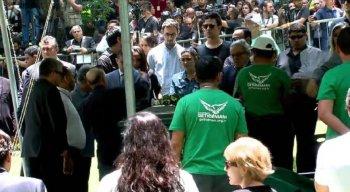 O enterro de Gugu Liberato foi aberto ao público