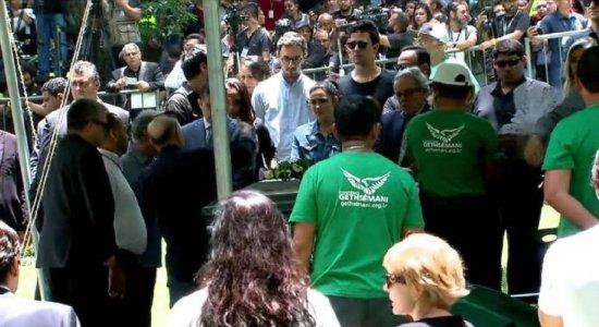 Adeus! Gugu Liberato é enterrado em São Paulo sob forte comoção