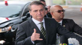 O presidente Jair Bolsonaro disse que se for necessário, falará com Trump sobre a taxa do aço brasileiro